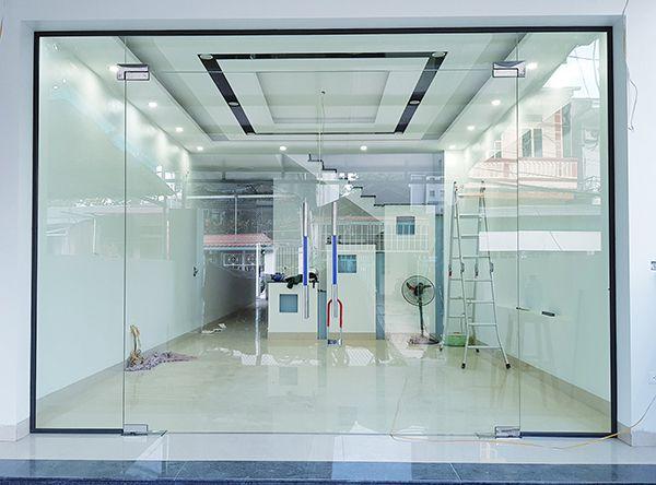 Cơ sở sản xuất cửa kính cường lực giá rẻ tại Tân Bình 01
